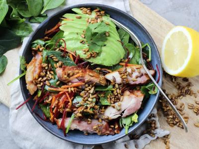 Salat med røget kylling